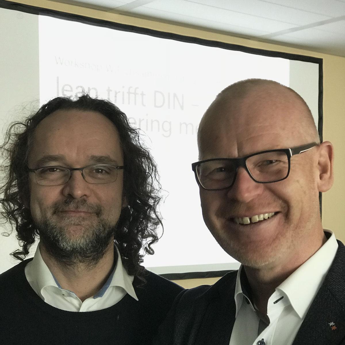 Bild: Jochen Denzinger und Günther Würtz vor ihrem Workshop auf der W3+