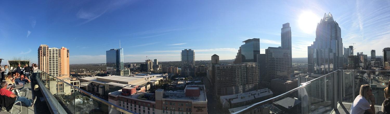 Bild: Austin, Texas vom Dach eines Hochhauses.